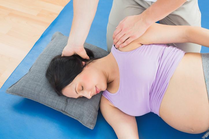 Une aide au mieux vivre sa grossesse : le massage